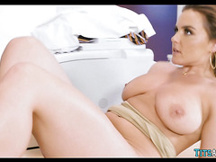 Slut gets Cock in the Janitor's Closet