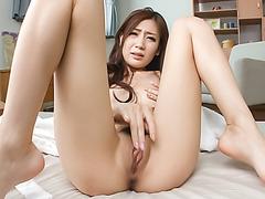 Full pussy stimulation solo show with Kaori Maeda
