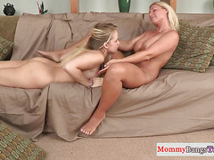 Bootylicious milf pussyfucked during ffm fun