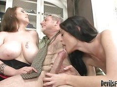 Sexy mom and hot ass daughter share a cock then the big load