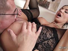 Busty Milf in lingerie gets tongue jizzed