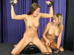 Slave Bree gets a Sybian lession