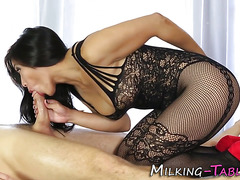 Kinky masseuse gets cum