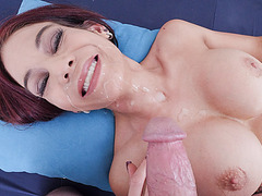 Stepmom used yummy pussy to relieved stress