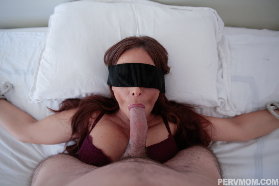 Blindfolded Beauty Give Her Dom Blowjob Then Gets Facials Yourdailypornvideos 1