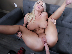 London is panting with stepsons dick in her rpussy