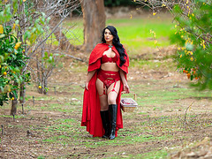 Little Red Riding Hood and Kleio Valentien
