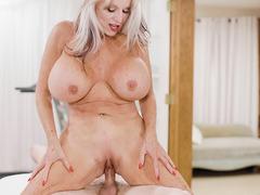 Mature PT Sally D Angelo performs a fuck massage