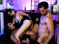Hot  ANAL 3some with Lola Fae and Chanel Grey