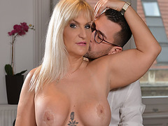 Famous GILF diva Ana Valentina bangs with horny assistant