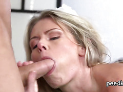 Flawless stunner gets her narrowed cunt complete of warm piss and blasts