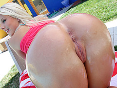 Certified PAWG stunner Kimmy Olsen gets her pussy pounded