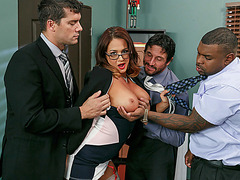 Tory Lane offers her sexy body and gets fucked in her ass and pussy