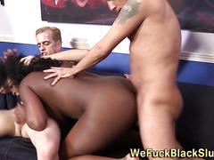 Chubby black ho bukkaked