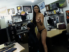 Sexy and brazilian chick wants to sell a cello and gets fucked