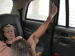 Skanky blonde chick gets pussy hammered for the ride