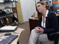 Big boobs woman screwed up by pawnkeeper