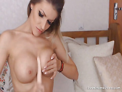 Webcam blonde with a perfect body and big tits masturbating