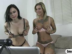 Tattoo Kleio Valentien fucks Vera Drake in web cam