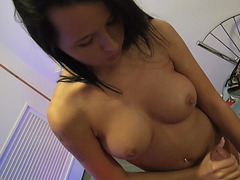 Pretty Mia banged at the tanning salon