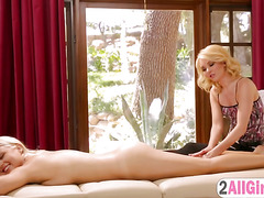 Aaliyah turns on beautiful blondie with hot massage