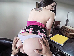 Horny chick Lola Foxx getting horny