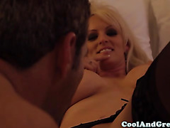 Bigtit blonde has her pussy licked out