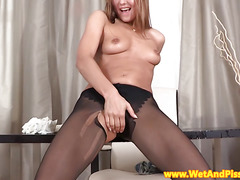 Pantyhosed babe piss and tease wet show