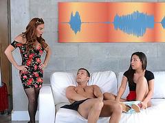 Redhead MILF Diamond Foxx have threesome sex with Teen Amara