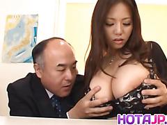 Ruri Saijo shakes huge boobs while is nailed
