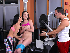 Brunette Teen Bella and MILF India have threesome sex in the gym